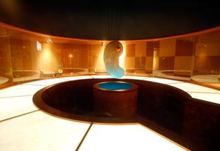 和風ダイニング「出雲」日本最大級の水晶まがたま
